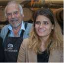 Die junge Önologin Elodie Kuntzer mit ihrem Vater Jean-Pierre